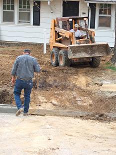 constructionworkerswalking_0